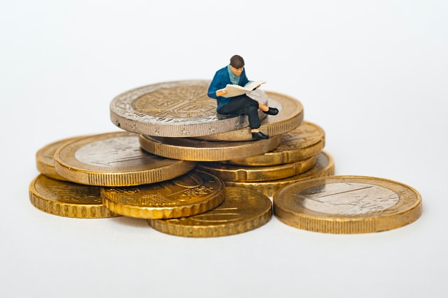 Professional Investment management certifications you need to sit on money